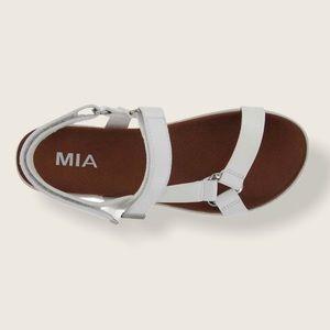 NWB MIA White Sandals 8.5 US